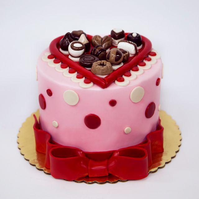 25 best Valentine\'s Day images on Pinterest | Cake boss ...