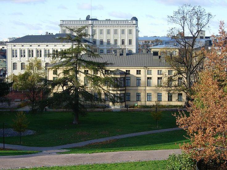 Sinebrychoffin Taidemuseo, Punavuori (Arkk.Jean Wik,1842).Photo: Samuli Lintula - Sinebrychoffin taidemuseo on Suomen ainoa vanhaa eurooppalaistta taidetta esittelevä museo (osa Valtion taidemuseota).