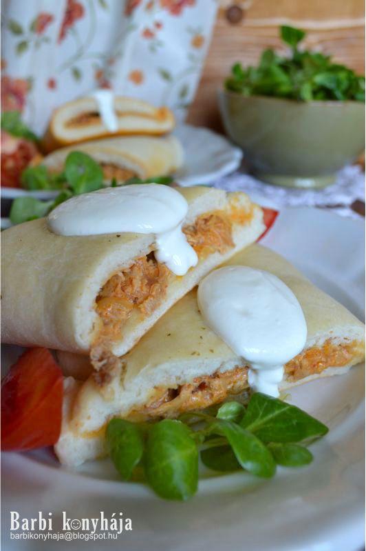Barbi konyhája: Csirkepaprikás pizzabatyuban