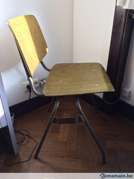OFFRE A SAISIR SANS PLUS TARDER -> Belles chaises vintage, assise vert anis (coloris rare), pieds métalliques gris. Système d'attaches latérales très...