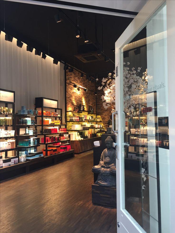 Kalverstraat Rituals Cosmetics Store Entrance 16 best