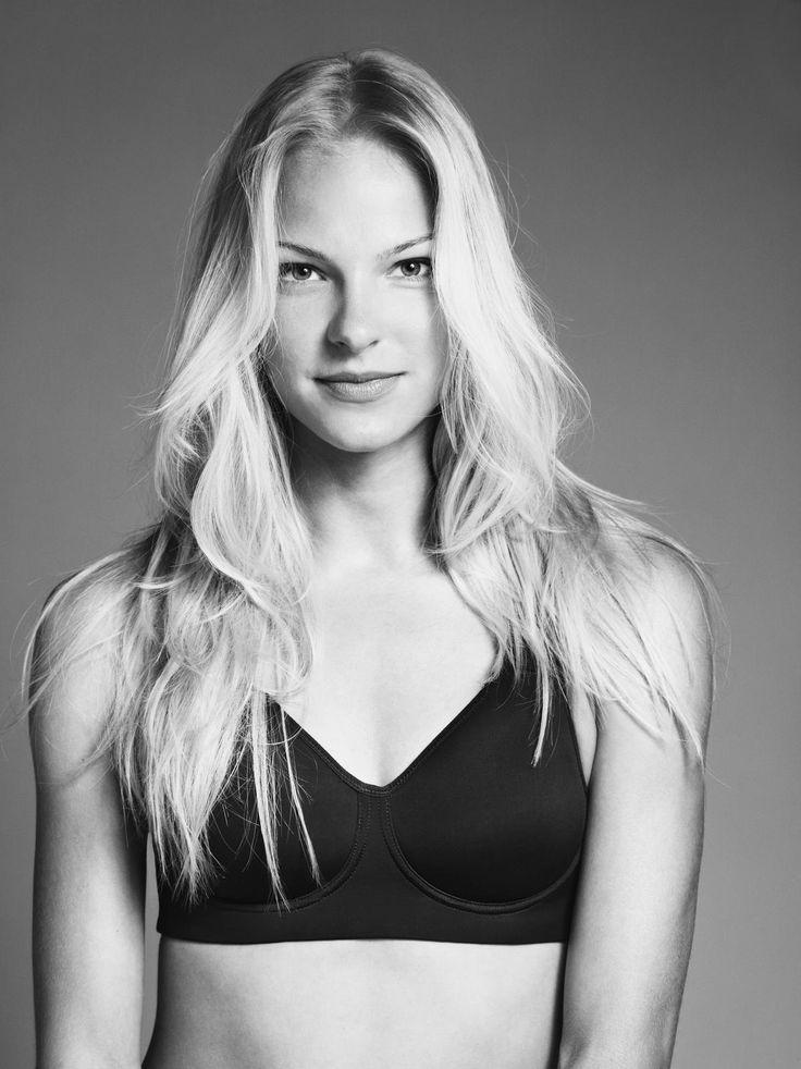 Darya Klishina, Nike Pro Rival Bra in 32 e or 34 dd