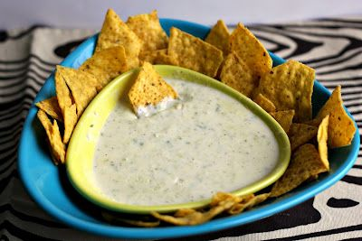 White Queso: Mexicans Restaurant, Restaurant Style, Yummy Food, Dogs Hair, Food And Drinks, Queso Dips, Style White, Restaurant Restaurant Queso, White Cheese
