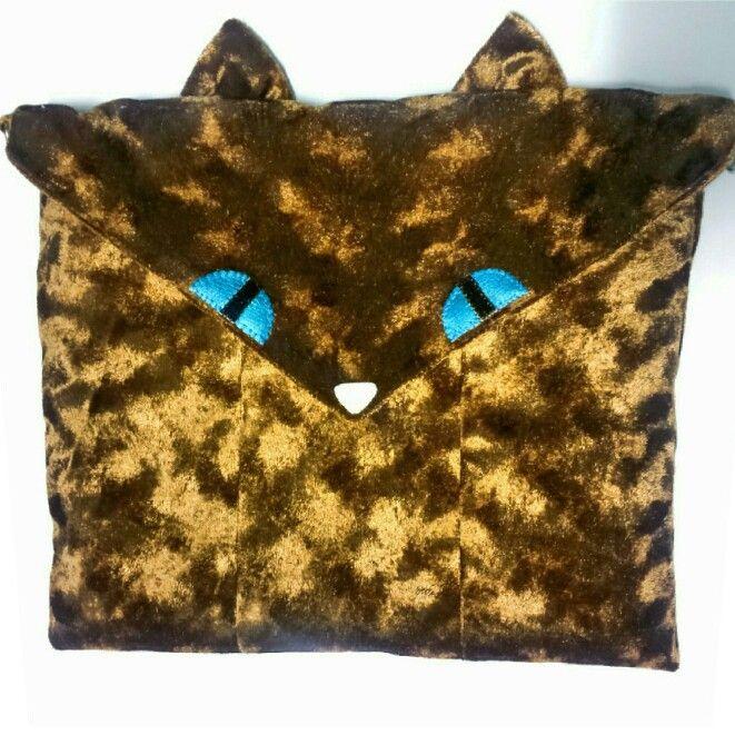 Yes! I made this :p Cutie catbag ♡