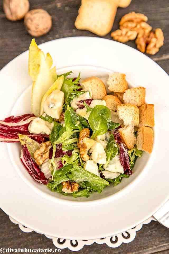 salata-cu-andive-roquefort-si-nuci