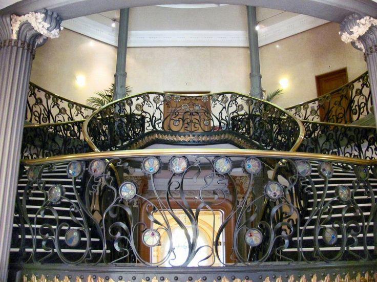 Escalera del Palacio de Longoria.