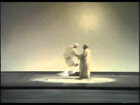La Tempesta di Shakespeare: messa in scena di Strehler 1977-78: scena Prospero e Ariel.avi