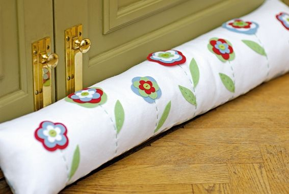 How to make a draught excluder http://www.themakingspot.com/sewing/how-to/how-to-make-a-draught-excluder