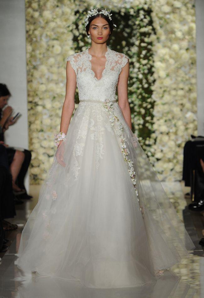 Lace Tulle A-line Wedding Dress | Reem Acra Wedding Dresses Fall 2015 | Maria Valentino/MCV Photo | Blog.theknot.com