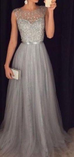 Lindo vestido color plata