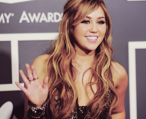 ohhh miley, how i have adored your hair for so long.
