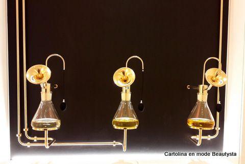 Laboratoire Parfumeur  Le Grand Musée du Parfum https://cartolinabeautysta.wordpress.com/2016/12/14/le-grand-musee-du-parfum-ouvre-ses-portes-a-paris