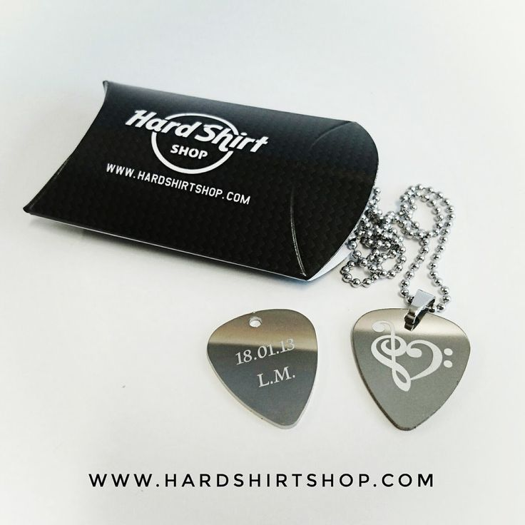Collana con plettro inciso personalizzata -  Pendant whit Guitar picks personalized di HardShirtShop su Etsy
