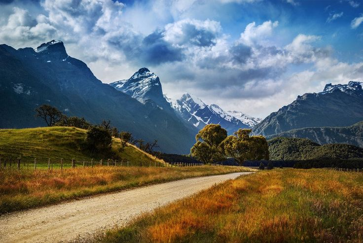 The Dirt Road to Paradise from #treyratcliff @ www.StuckInCustoms.com - all images Creative Commons Noncommercial