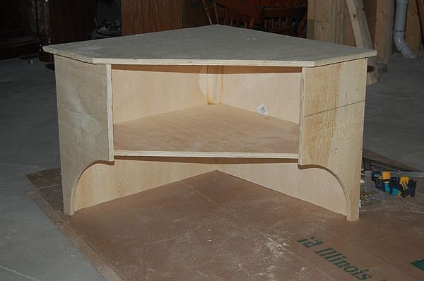 How to Build a Corner Shelf for: TV, Video, Books, Decorations