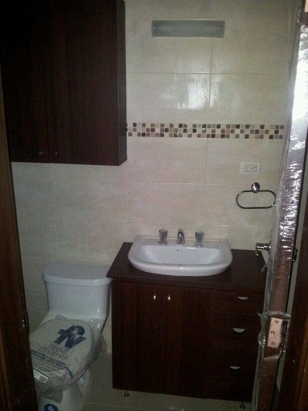 Para agregar espacio para guardar en banos pequenos - Banos pequenos y comodos ...