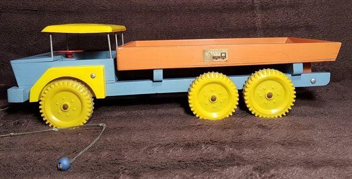 Zabawka Drewniany Samochod Prl Strykowianka 7690808789 Oficjalne Archiwum Allegro Toy Car Wooden Toy Car Toys