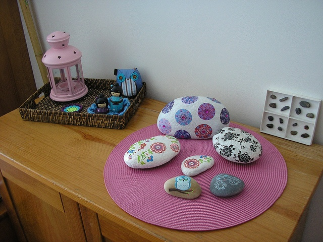 stones: Decor Decor Rocks, Paintings Stones, Crafty, Pebble Ston Art, Pretty Display, House, Photo, Rocks Art, My House