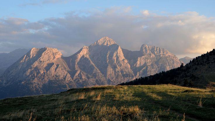 Vardousia mountain Greece [4928x2772]