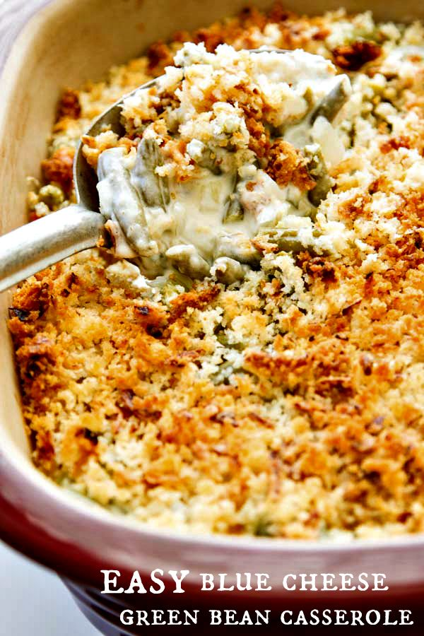 This Easy Green Bean Casserole with Blue Cheese is creamy and full of flavor with a crunchy topping made with panko breadcrumbs and french fried onions. So easy and good!! @DelMonteBrand #ad #BurstingWithLife