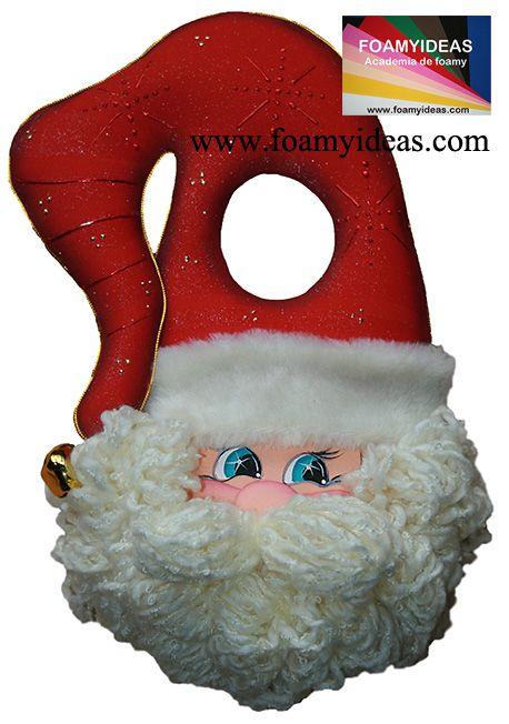 Can you image to put such a sweet Santa Claus on your door for this Christmas? Lindísima Colgapuerta Papá Noel para esta Navidad www.foamyideas.com