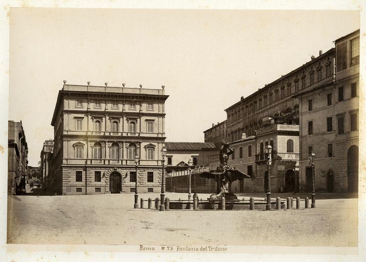 Italie, Roma, Fontana del Tritone Vintage albumen print. Tirage albuminé 18x24 Circa 1880