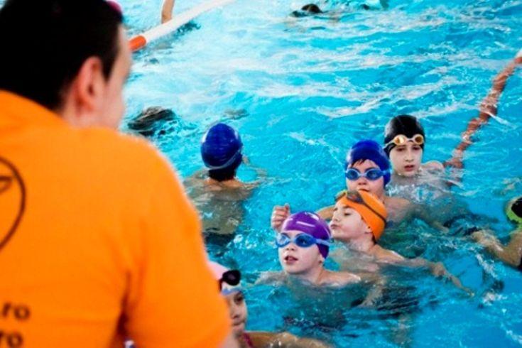 Vreau să-mi învăţ copilul să înoate: BAZINE şi CLUBURI DE ÎNOT în Bucureşti