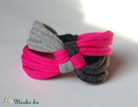 DIAGONAL - textil karkötő, szürke/pink (cirrhopp) - Meska.hu