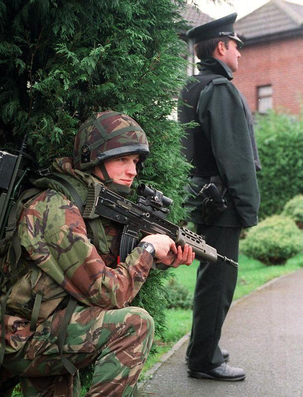 Resultado de imagen de ejercito britanico en el ulster irlanda