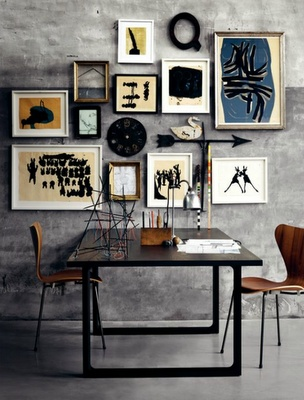 Love this collection of odds and ends among frames to make a stylish grouping.