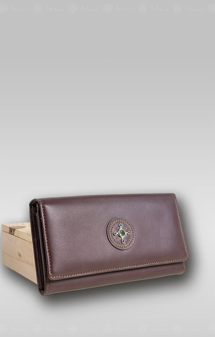 "Pele classic wallet name: Dew ""DWC019"" Classic, perfect purse for women, design by Pele."