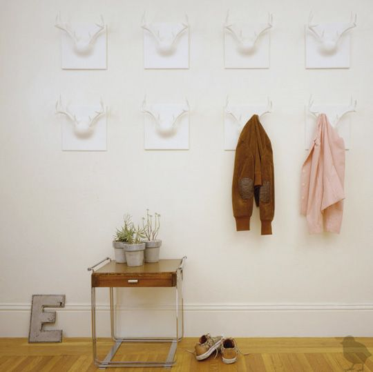 l: Cute Coats, Coats Hooks, Entryway Ideas, Hallways Coats, Coats Racks, Antlers Coats, Coats Hangers, Ghosts Antlers, Antlers Hooks