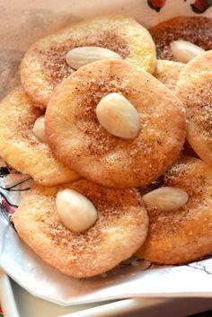 """Jødekager - Gyðingakökur (Jewish Cookies). """"Betegnelsen jødekage opstod i 1700-tallet fordi denne type kage blev solgt af jødiske bagerier""""."""