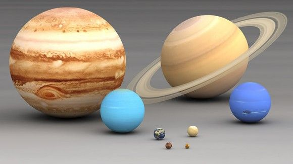 The Planets in Our Solar System in Order of Size by ELIZABETH HOWELL on APRIL 21, 2014 Planets in our Solar system size comparison. Largest to smallest are pictured left to right, top to bottom: Jupiter, Saturn, Uranus, Neptune, Earth, Venus, Mars, Mercury. Via Wikimedia Commons.