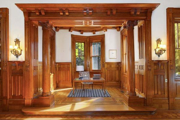 Beautiful timber treatment of doorways in a grand style
