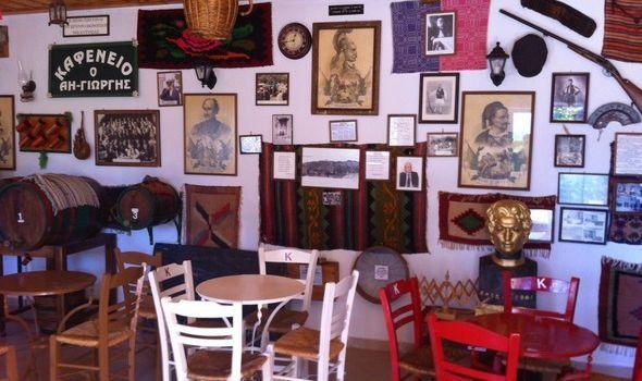 Το παραδοσιακό καφενείο φάντασμα του Άη Γιώργη! Πρόκειται για έναν προσεγμένο χώρο που μοιάζει με λαογραφικό μουσείο. Το όνομα του χωριού Λάστα! Το πιο πιθανό είναι να μην το έχετε ξανακούσει ποτέ! Απέχει μόλις 17 χλμ. από τη Βυτίνα στο δρόμο για το χωριό Βαλτεσινίκο!