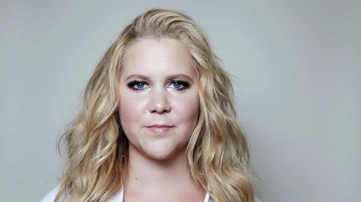 Amy Schumer joins her cousin, Sen. Chuck Schumer, in gun control fight - http://www.baindaily.com/amy-schumer-joins-her-cousin-sen-chuck-schumer-in-gun-control-fight/