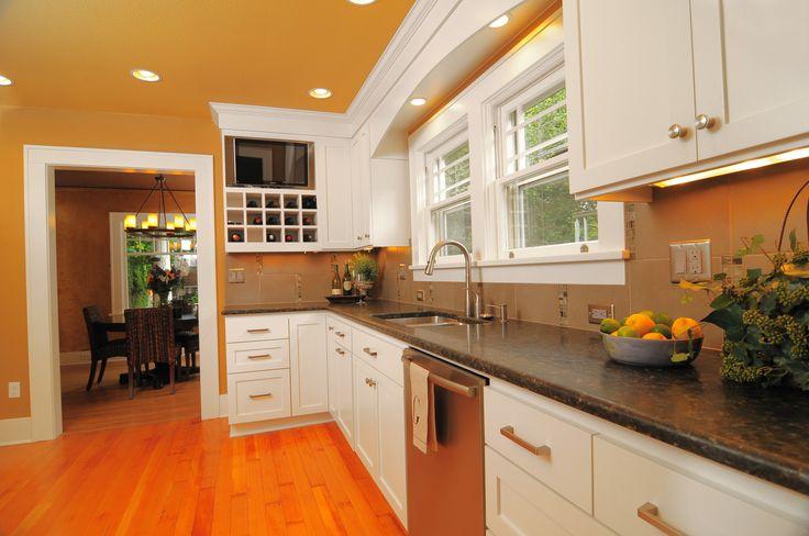 Grey tile backsplash with vertical decorative glass