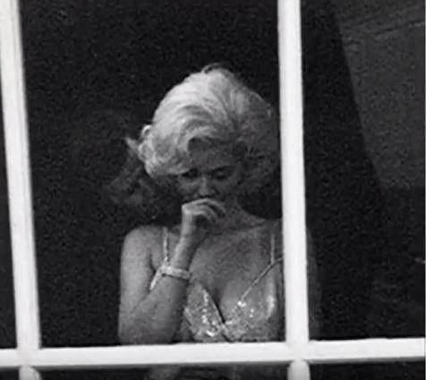 UNIKÁTNÍ FOTOGALERIE: Tyhle fotky musíte vidět dřív, než zemřete! - John F. Kennedy a Marilyn Monroe