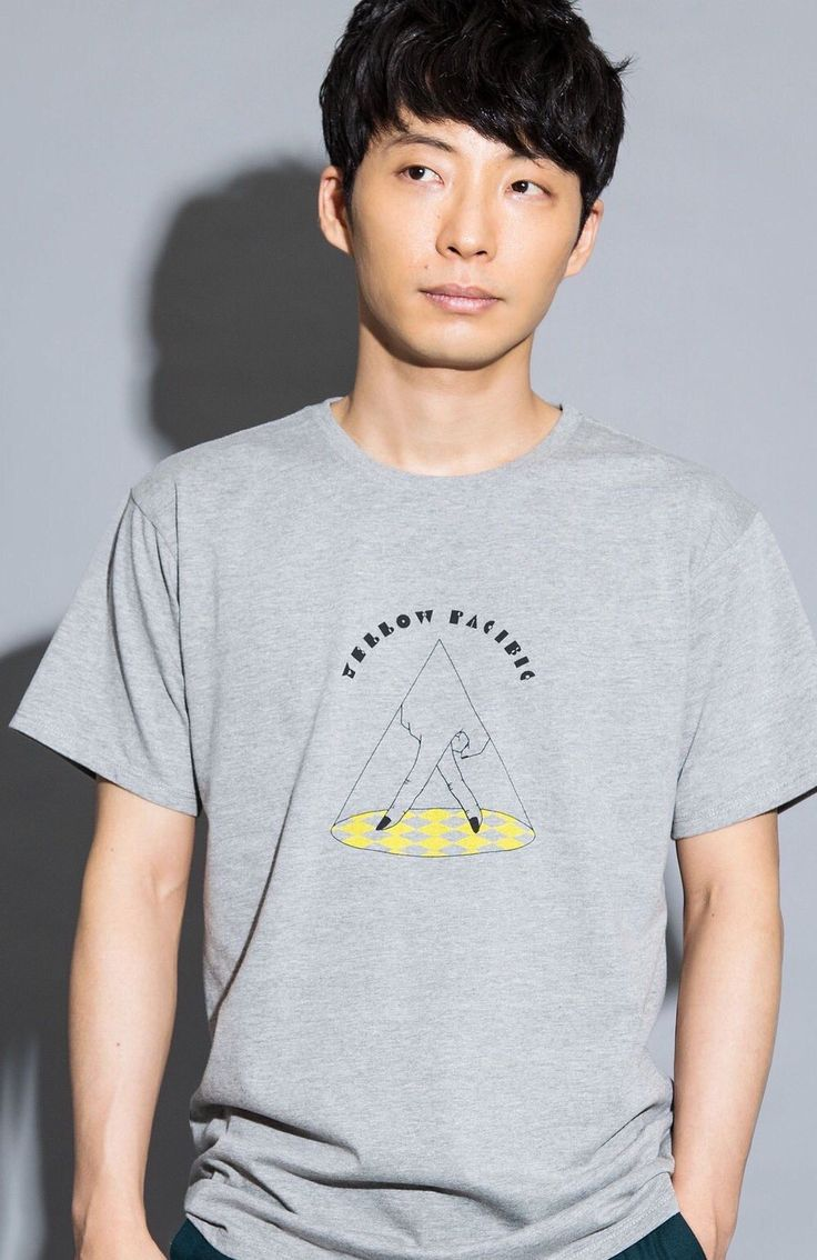 YELLOW PACIFIC Tシャツ