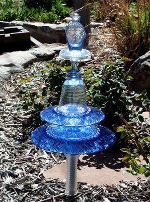 2605 best Glass Art and Yard art images on Pinterest | Glass garden ...