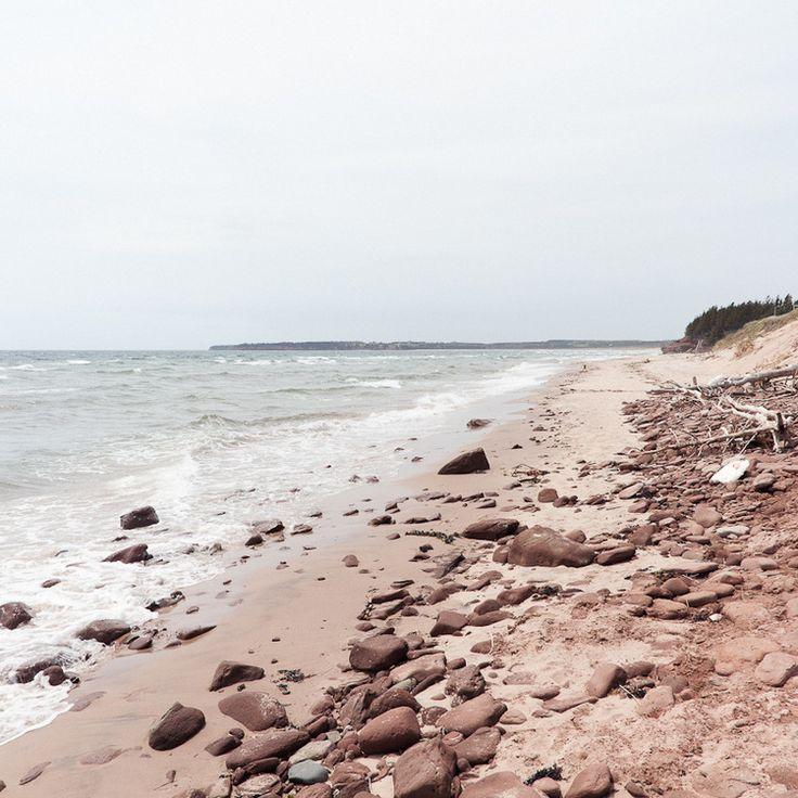 Катарина Риопел (Katarina Riopel) отправилась из Монреаля на восток Канады, чтобы увидеть, как и чем живёт Остров Принца Эдуарда. И она нашла однозначный ответ: здесь всё подчинено стихии.