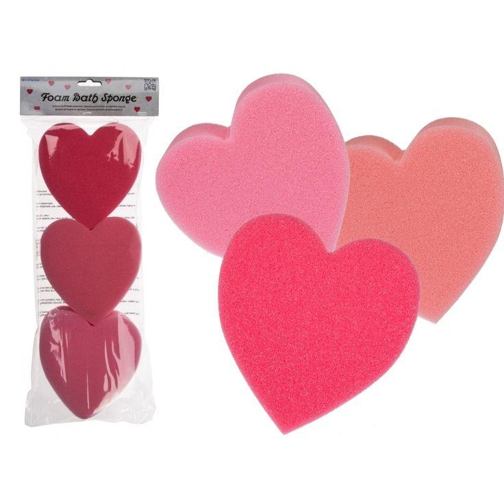 Hartjes badsponsjes rood/roze 3 stuks  Hartjes badsponzen rood/roze. Set van 3 hartjes bad sponzen. Per stuk heeft de spons een formaat van ongeveer 13 cm.  EUR 2.20  Meer informatie  #sinterklaas #zwartepiet