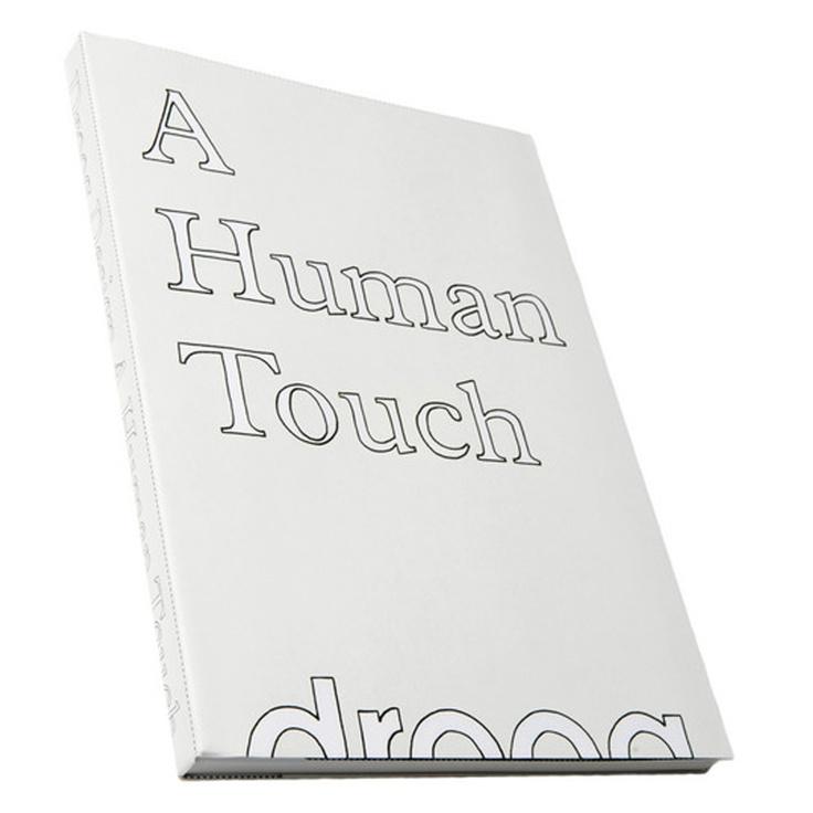 A Human Touch, autore Renny Ramakers, grafica Irma Boom, illustrazione e fotografie RobaardTheukens, styling di Marjo Kranenborg, 2006