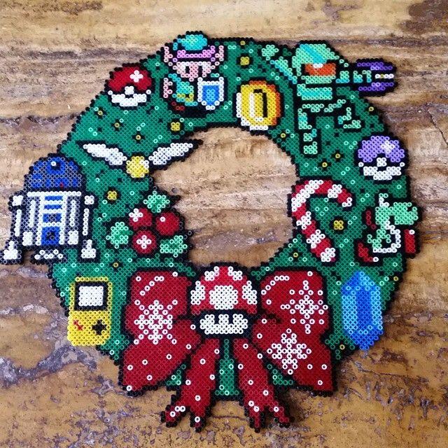 Geek Christmas wreath hama beads by albotica