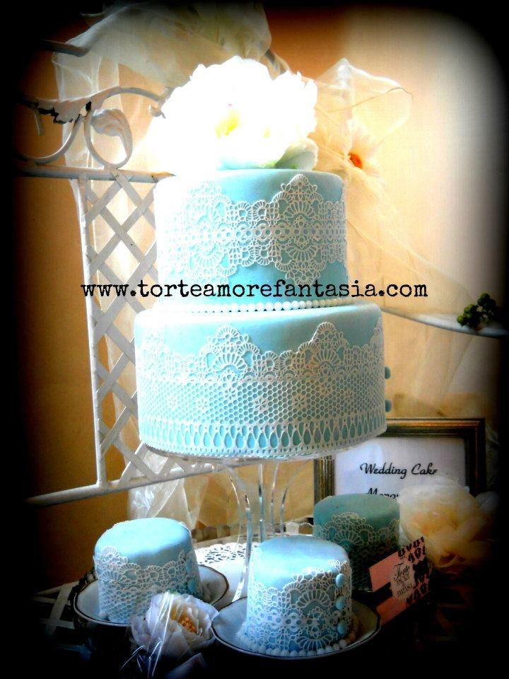 Pizzi e merletti per una wedding cake monoporzioni