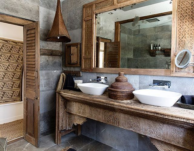 Hav'eli House bathrooms | bookings through airbnb and @temple_retreats_byron haveliofbyronbay.com.au . . . . . #boholuxe #islandcottage #photoshoot #summer #beach #homestyling #villa #byronbay #bali #airbnb #stay #inspiration #accommodation #homewareshaveliofbyronbay