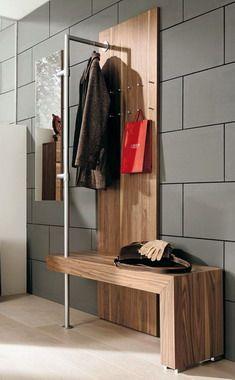 Интерьер маленькой прихожей: 7 шагов к избавлению от шкафов ради более практичных предметов обстановки