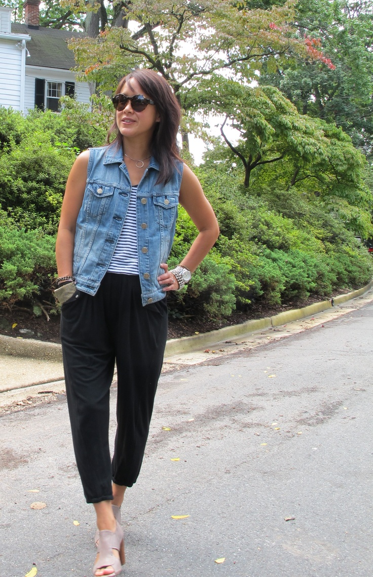 DC-based stylist Rosana Vollmerhausen wearing her favorite fall transitional piece: the denim sleeveless jacket. Hers is from J. Crew and it gives tank tops, tees, summer dresses a little more wear as we move into fall.