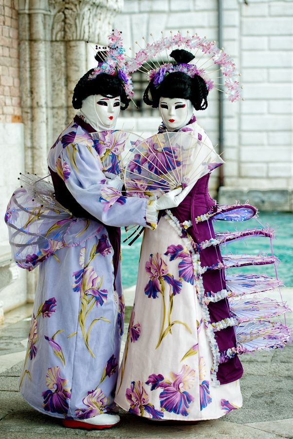 Asian Twins, Carnival of Venice